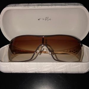 New Oakley Sunglasses with Case